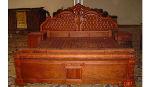 Wooden Bed 004