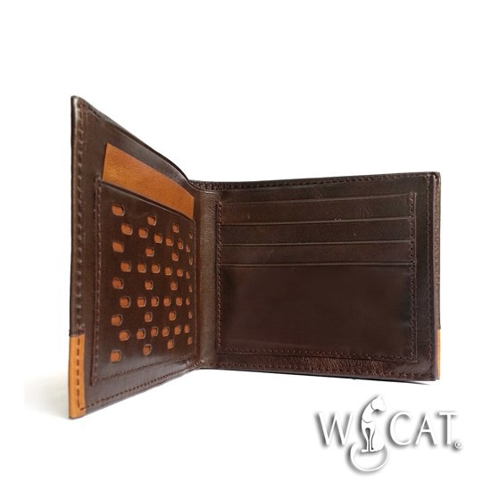 30462016 - CROSS SECTION OF FLAT HOLE TRIMS WALLET
