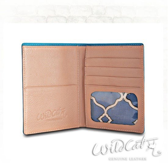 60062011 - 2 TONES LADY PASSPORT Holder
