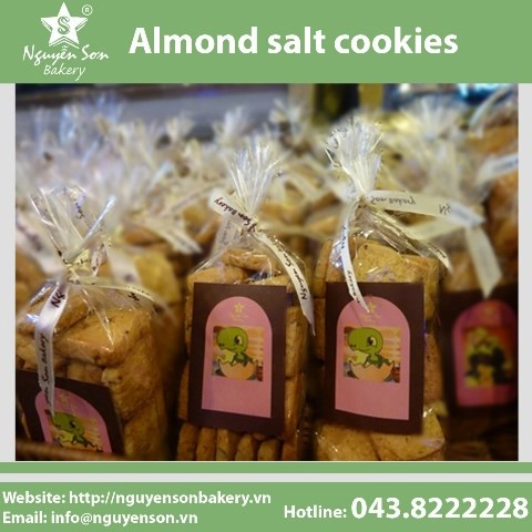 Almond salt cookies